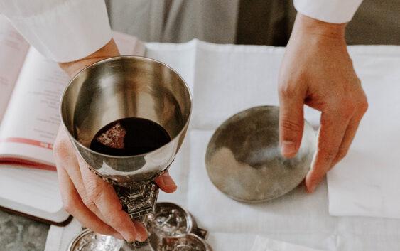 12 фактів про чудесну силу Божественної Літургії